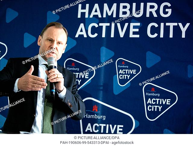 06 June 2019, Hamburg: Andy Grote (SPD), Interior and Sports Senator of Hamburg, speaks at a press conference on the inauguration of the new roof membrane in...