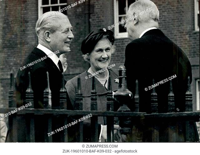 Oct. 10, 1960 - President And MME De Gaulle Entertained To Luncheon At The Royal Hospital Chelsea: President and Mme De Gaulle were entertained at luncheon in...