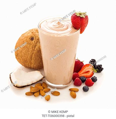 Nut and fruit smoothie