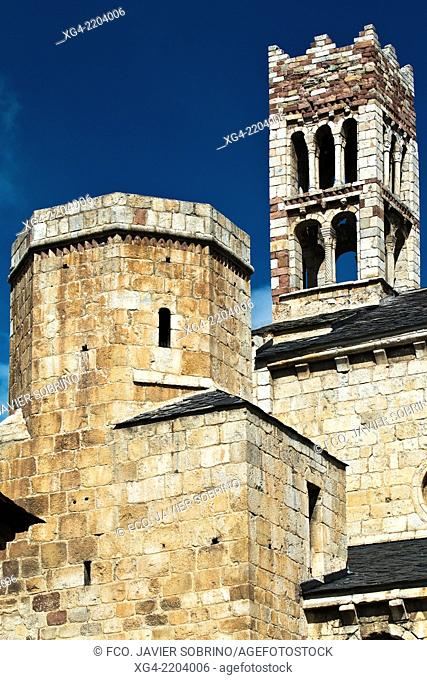 Spain, Catalonia, Lleida, La Seu d'Urgell, Romanesque cathedral, bell tower
