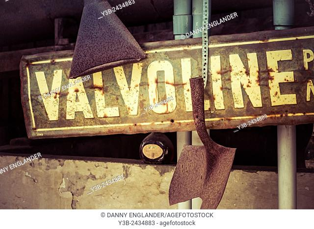 Vintage Style Rusty Sign