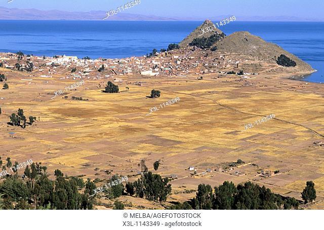Lago Titicaca en Copacabana  Departamento de la Paz  Bolivia