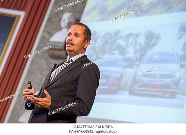 """Ralf Bornefeld, speaker of the team """"""""Neue Radartechnologie für Autos - ein Lebensretter geht in Serie"""""""" (lt: New radar technology for cars - a lifesaver goes..."""