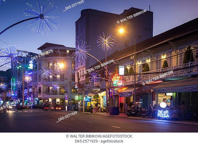 Vietnam, Mekong Delta, Can Tho, Hai Ban Trung Street, waterfront, dusk