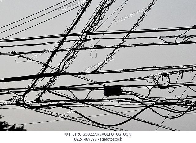 Naha (Japan): electric wires mess in the city centre