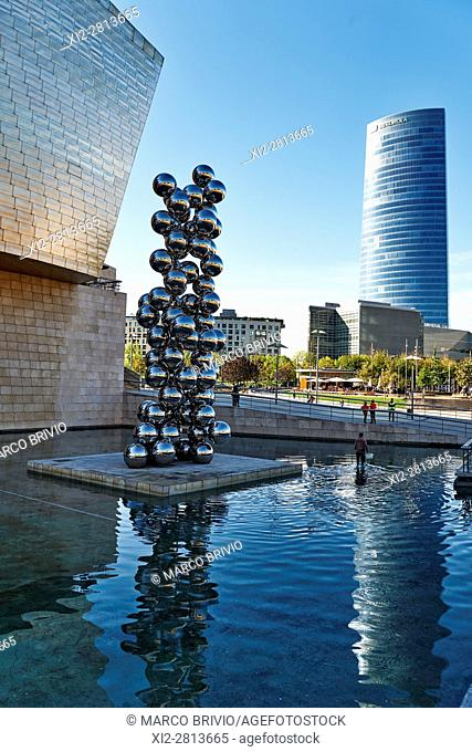 Torre Iberdrola and the Guggenheim Museum by Frank Gehry. Bilbao, Basque Country, Spain