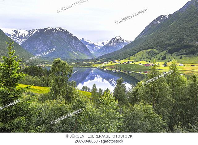 mountain panorama at the lake Dalavatnet, Norway, snow-capped mountains and mirroring, municipality of Sogndal, Sogn og Fjordane county