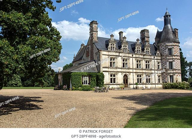 PRIORY OF BOUCHE D'AIGRE, 12TH CENTURY BUILDING TRANSFORMED IN THE 16TH AND 19TH CENTURY, TODAY CONVERTED INTO A CHARMING GUEST HOUSE, ROMILLY-SUR-AIGRE