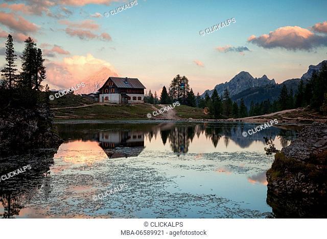 Federa Lake, Ampezzo Dolomites, Cortina d'Ampezzo, Belluno, Veneto, Italy