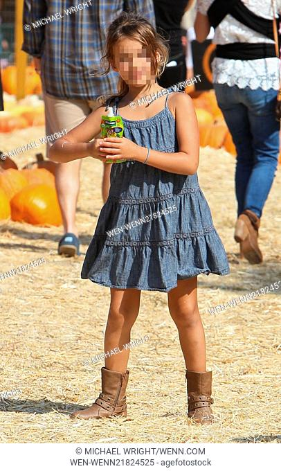 Jessica Alba visits Mr. Bones Pumpkin Patch with her daughters Honor and Haven Featuring: Honor Warren Where: Los Angeles, California