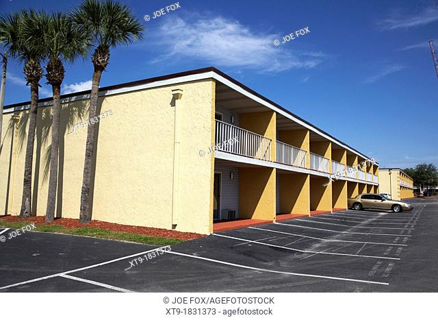 mostly empty cheap budget motel in kissimmee florida usa