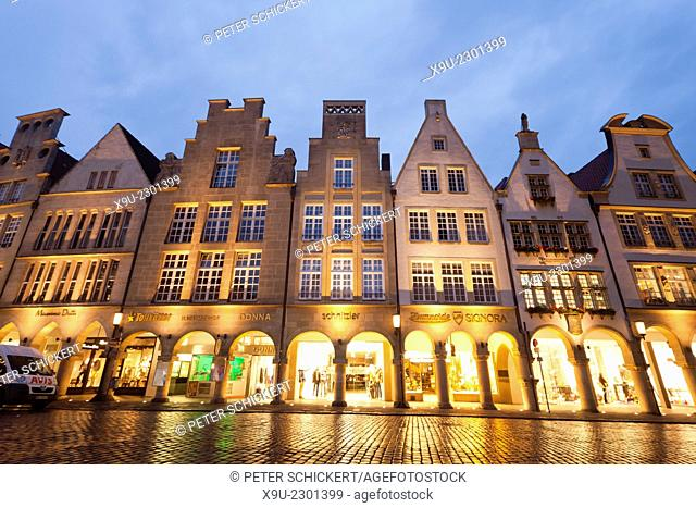 Gabled houses on Prinzipalmarkt street at night, Münster, North Rhine-Westphalia, Germany, Europe