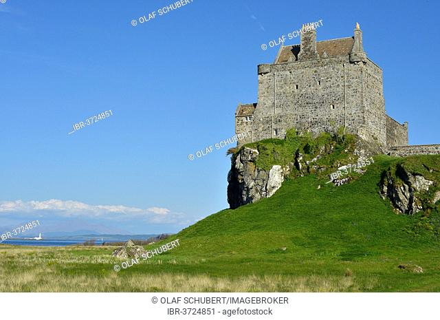Duart Castle or Caisteal Dhubhairt, seat of the Clan MacLean, Isle of Mull, Scotland, United Kingdom