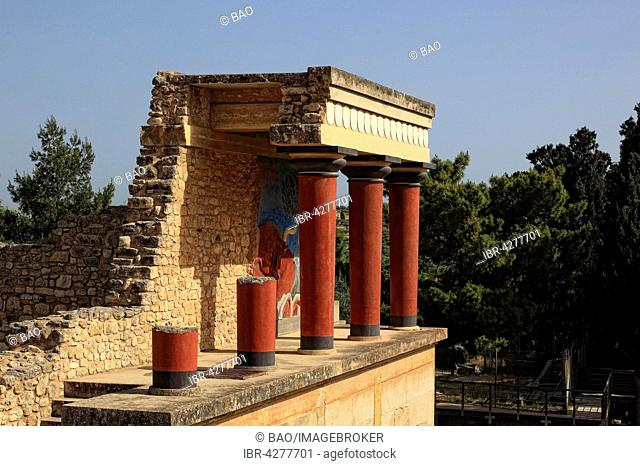 Bastion, Palace of the Minoans, Knossos, Crete, Greece