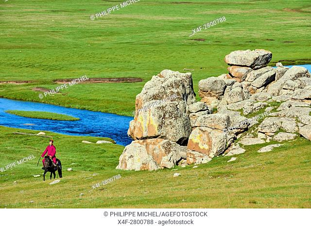 Mongolia, Arkhangai province, Mongolian horserider in the steppe