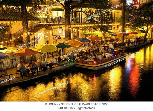 OUTDOOR CAFES RESTAURANTS RIVER WALK DOWNTOWN SAN ANTONIO TEXAS USA
