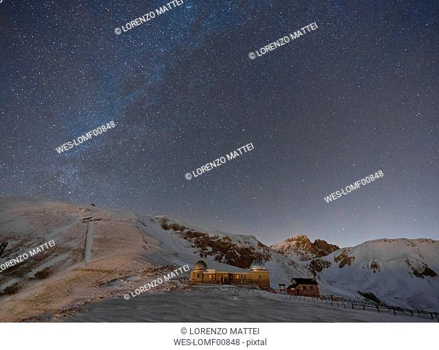 Italy, Abruzzo, Gran Sasso and Monti della Laga Park, Campo Imperatore, observatory by night in winter