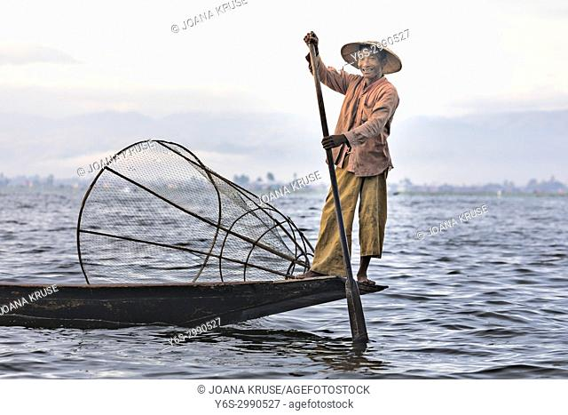 Fisherman, Inle Lake, Myanmar, Asia