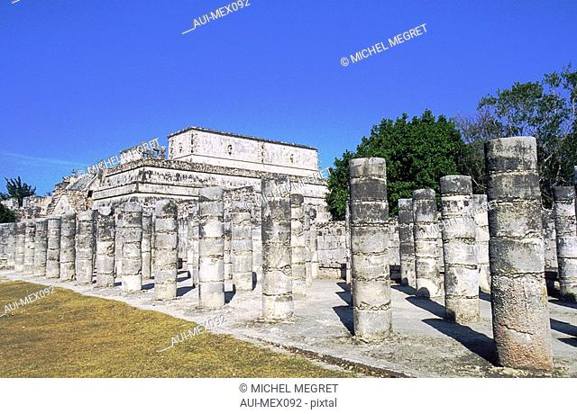 Mexico - The Mayan country - Chichén Itza - The group of the thousand Columns
