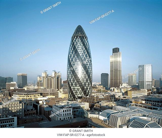 SWISS RE, 30 ST MARY'S AXE, LONDON, EC3 FENCHURCH, UK, FOSTER & PARTNERS, EXTERIOR, CITY OF LONDON FROM THE EAST