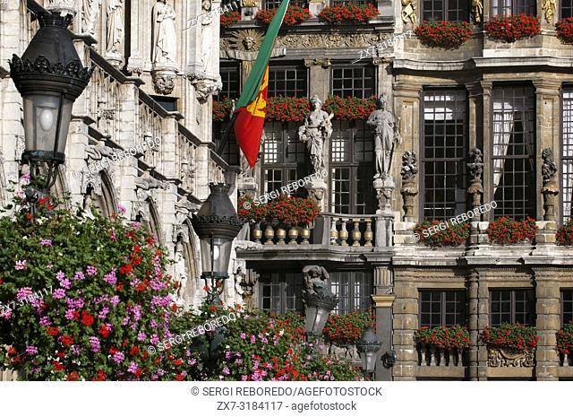 Some of the balconies and facades Louve, Sac and Brouette, next to Hôtel de Ville. (Town hall). Grand Place, Brussels, Belgium