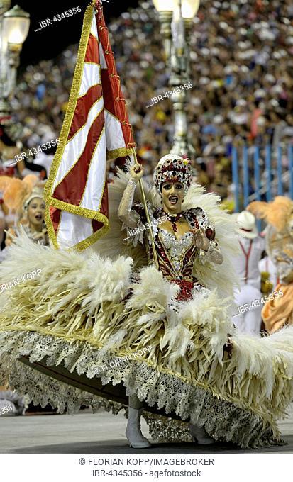 Dancer Marcella Alves, flag bearer Porta Bandera, parade of the samba school Acadêmicos do Salgueiro, Carnival 2016 in the Sambodromo, Rio de Janeiro, Brazil