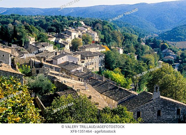 The medieval village of Ménerbes Vaucluse 84 Luberon PACA France Europe