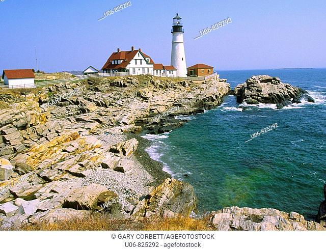 portland head lighthouse in maine usa