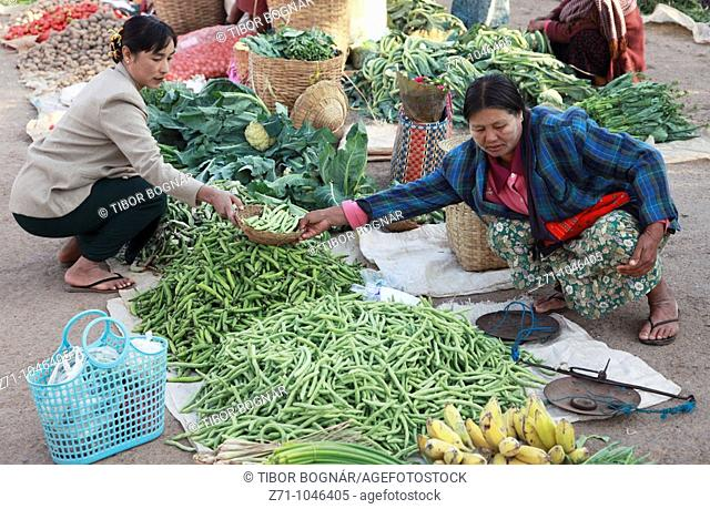 Myanmar, Burma, Kalaw, market, women, people