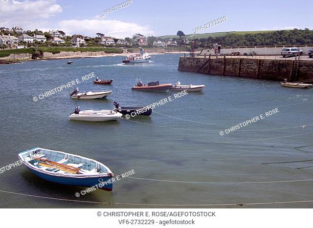 England, Cornwall, St Mawes, harbour, passenger ferry to Falmouth