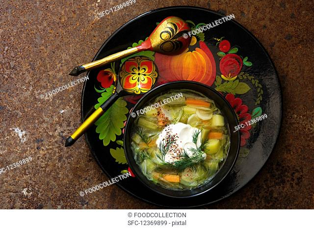 Cucumber soup with sour cream and dill