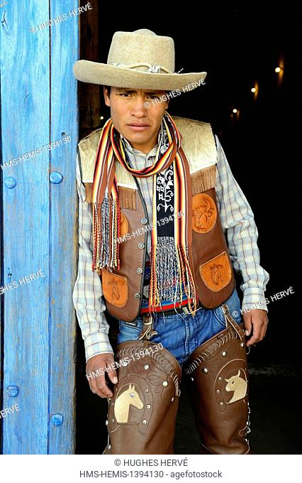 Peru, Cuzco province, Livitaca, Feria de San Sebastian, which meets all the Indian communities in the region, man in traditional dress Chumbivilcas