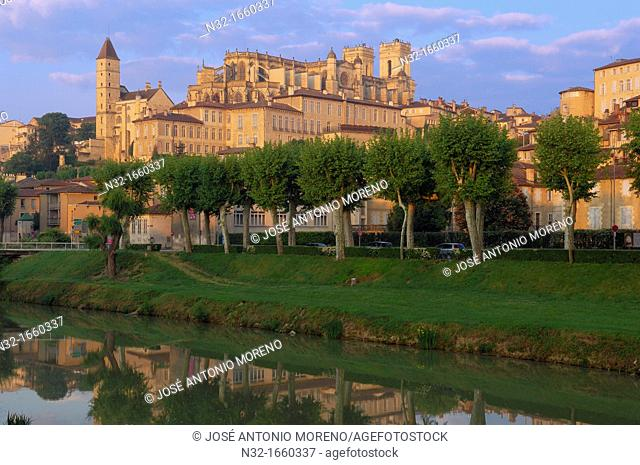 Saint Mary cathedral, Armagnac tower, Gers River, Auch, Gers department, France, Europe