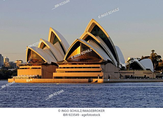 Opera house in Sydney at sunrise, Sydney, Australia