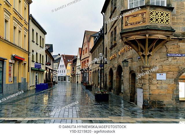 Facades of historic townhouses in the evening, Sophienstrasse seen from Maximilianstrasse, Bayreuth, capital of Upper Franconia, Bavaria, Bayern, Germany