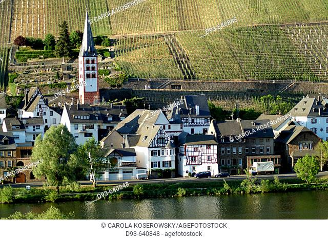 Germany, Rhineland Palatinate, Moselle River Valley. Zell