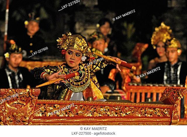 Gamelan Orchestra playing at Legong dance at Matahari Hotel, Pemuteran, North Bali, Indonesia, Asia