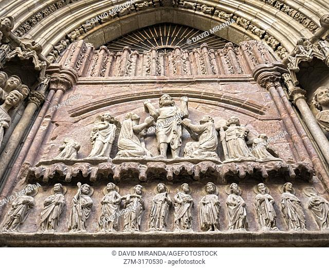 Door detail. Church of San Bartolomé, the oldest in Logroño. La Rioja. Spain
