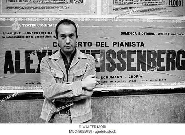 Bulgarian-born French pianist Alexis Weissenberg outside the Teatro Comunale in Modena where he is going to play a concert. Modena, 10th October 1970