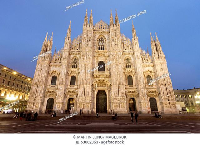 Piazza del Duomo, Cathedral Square, with the Gothic cathedral, Milan Cathedral of Santa Maria Nascente