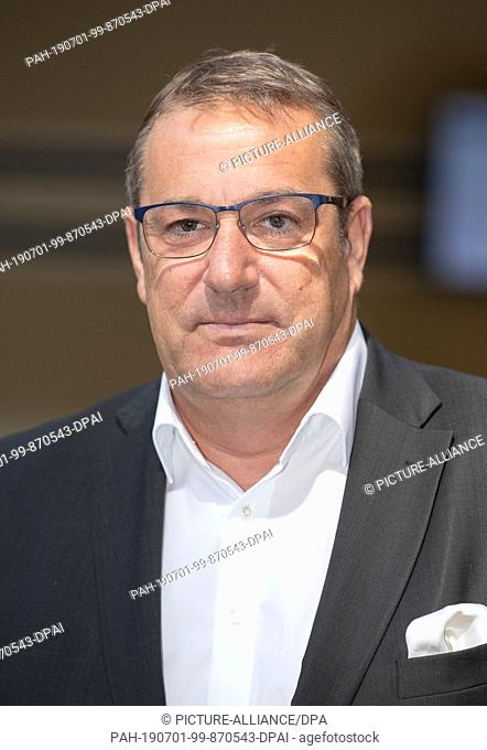 28 June 2019, North Rhine-Westphalia, Detmold: Roman von Alvensleben, lawyer and defender of a victim of abuse, recorded in the district court