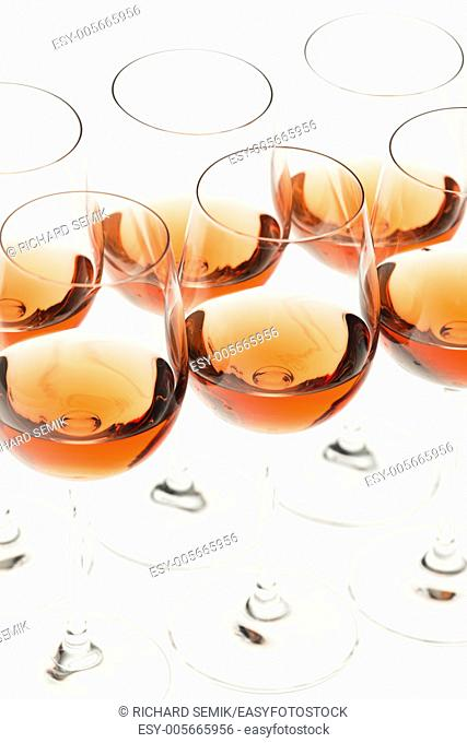 wine glasses with rose wine