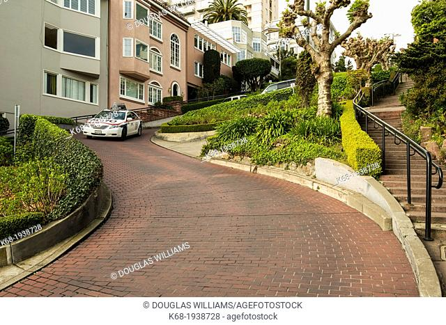Lombard Steet, San Francisco, California, USA