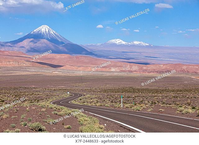 Road to Valle del Arcoiris (Rainbow Valley), in background Licancabur volcano, Atacama desert. Region de Antofagasta. Chile