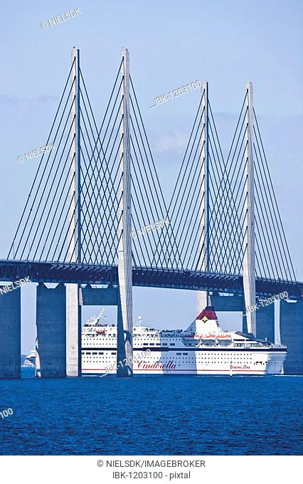 The Cinderella entertainment vessel crossing the Oresund Bridge between Denmark and Sweden, Europe