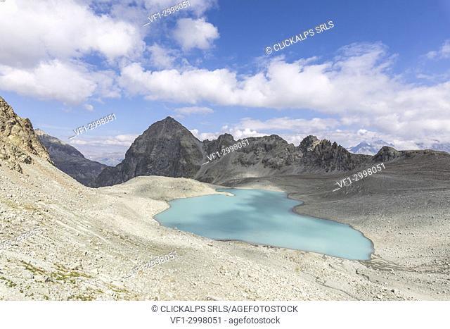 Lej Lagrev surrounded by peaks, Silvaplana, canton of Graubünden, Engadine, Switzerland