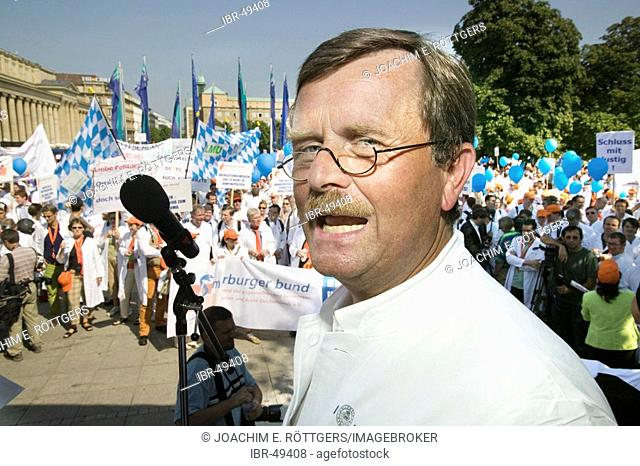 Stuttgart, DEU, 06.09.2005: 6000 physicians followed the call of the Marburg federation for a strike and demonstration on the Stuttgart palace square