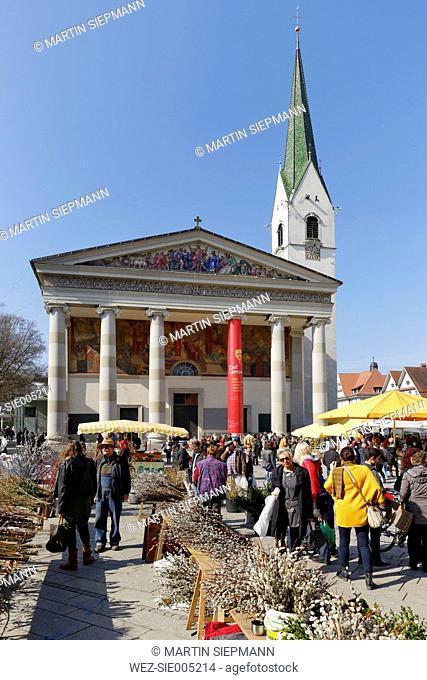 Austria, Vorarlberg, Dornbirn, farmer's market in front of St Martin's Church