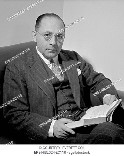 Sidney Weinberg 1891-1969 CEO of Goldman Sachs investment bank during the Great Depression and World War II. Unlike most Wall Streeters he supported FDR and...