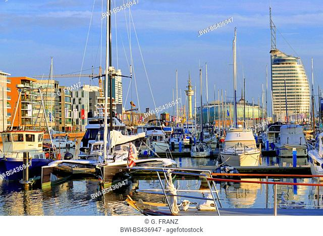 new port, Neuer Hafen, with view of the Saul City Hotel and the Klimahaus, Germany, Bremerhaven